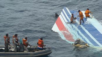 Bíróság elé állhat az Air France a tíz évvel ezelőtti légi katasztrófa miatt