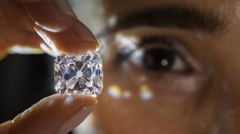 Megtilthatják a NAV-osoknak, hogy aranyat, gyémántot és mobilt tartsanak maguknál