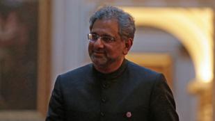 Korrupció miatt letartóztatták a volt pakisztáni kormányfőt