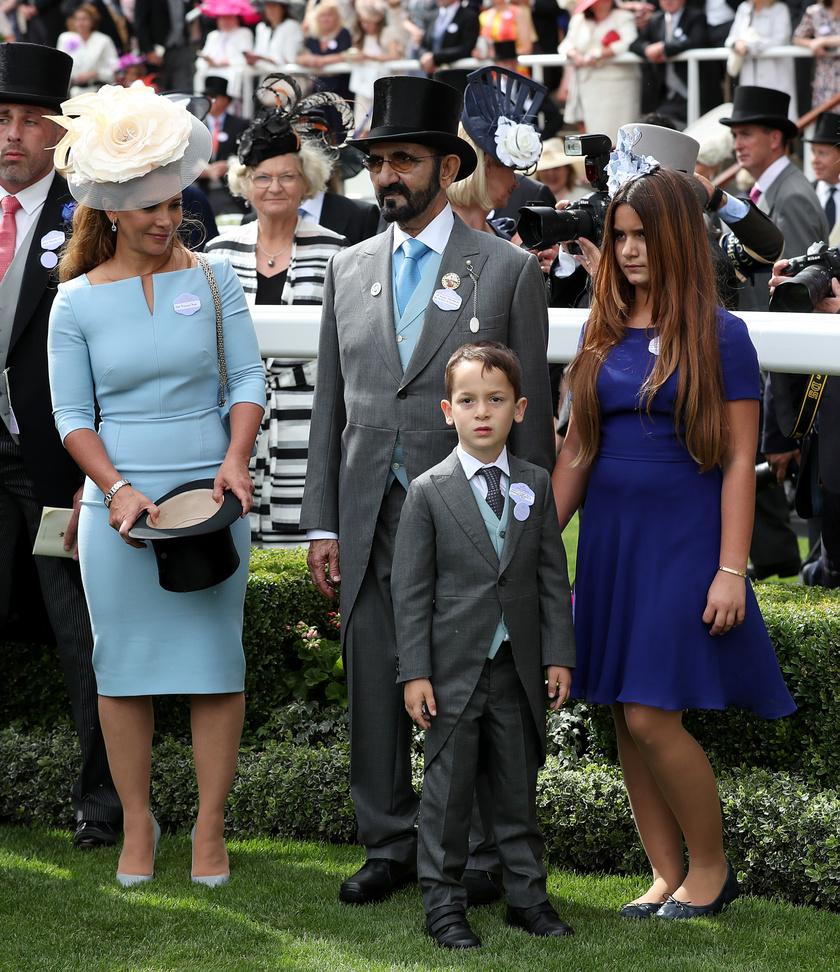 A királyi család meghívására többször is részt vettek az ascoti derbin. Ritka alkalom, mikor így négyesben jelentek meg.