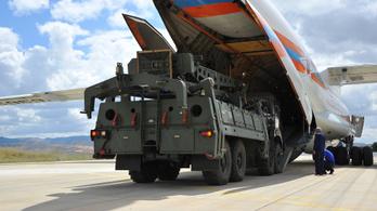 Az amerikaiak kizárták Törökországot az F-35-ös programból az orosz rakéták miatt