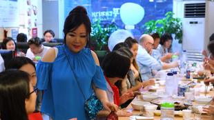 A koreai ételek koronázatlan youtube királynője