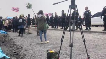 Békésen tüntető időseket tartóztattak le Hawaiin, mert tiltakoztak a vulkánra épített távcső ellen