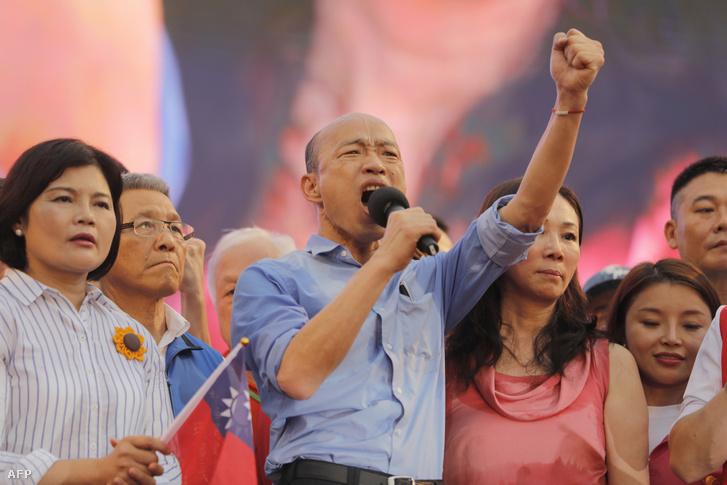 Han Kuo-ju tajpeji kampány rendezvényen 2019. június 1-én