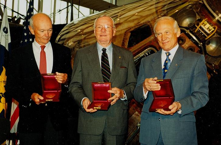 A hármas 1999-ben, az utazás harmincadik évfordulóján