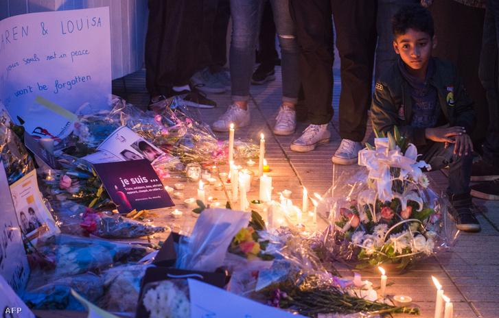Mécsesek és virágok a marokkói Rabatban - a két meggyilkolt turistára emlékeztek 2018. december 22-én