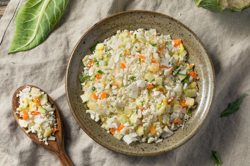 Szuperegészséges zöldséges karfiolrizs: ebből bármennyit megehetsz