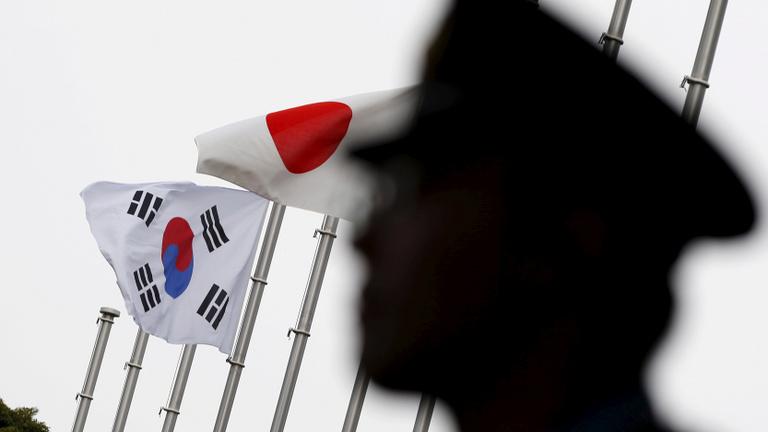 A Samsungot is fenyegeti Ázsia új kereskedelmi háborúja