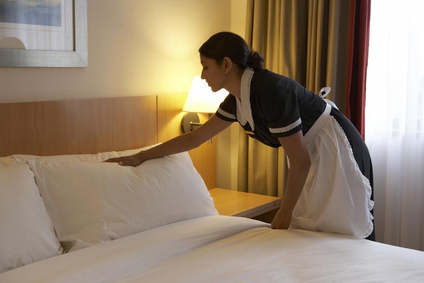 hotel-szobalany-agy