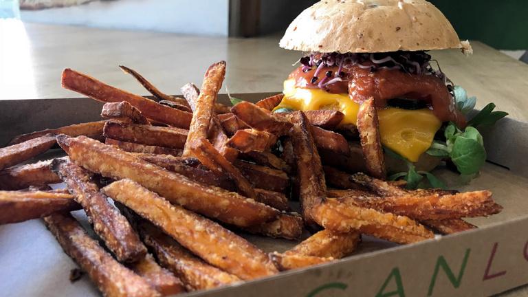 Húsmentes hamburgerek: a kézművestől a majdnem gyorséttermiig