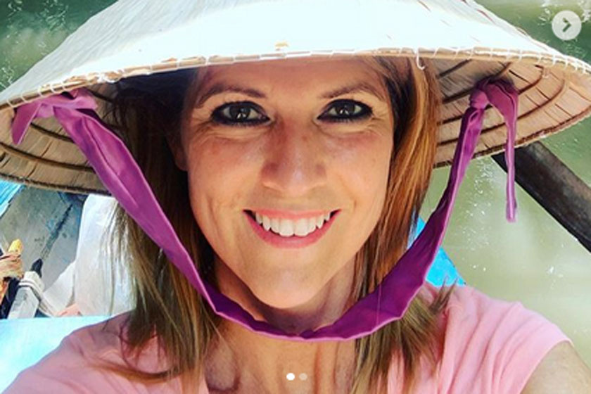 Ámulunk a 47 éves Jaksity Kata bikinis fotóján - A műsorvezető gyönyörű a tengerparton