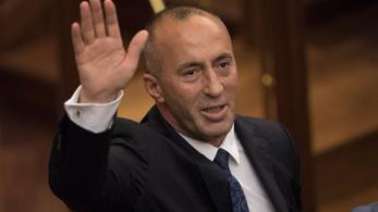 Váratlanul lemondott a koszovói kormányfő