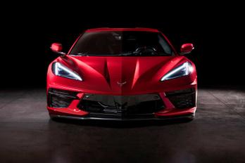 Európába is eljön a középmotoros Corvette