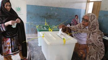 Szombaton először lesz demokratikus választás Pakisztán törzsek uralta részén