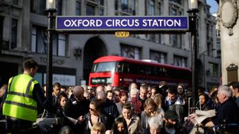Többen köhögtek, nem kaptak levegőt a londoni metró egyik szerelvényén