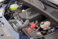 A benzinmotor, klíma nélkül lötyög a motortérben. Mondjuk azt, hogy jól szerelhető