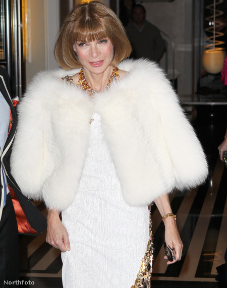 A fehér a szezon egyik kedvelt divatszíne, még szép, hogy a Vogue főszerkesztője, Anna Wintour is tudja ezt