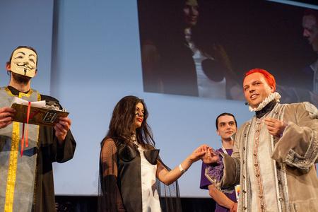 A világ első kopimista esküvője - Belgrádban kelt egybe a fájlcserélés két híve