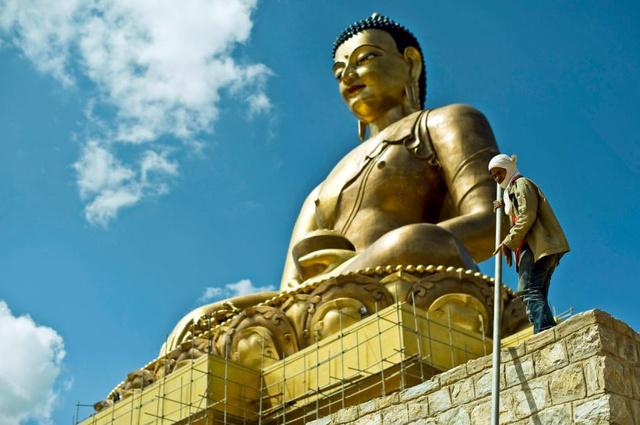 60 méter magas Buddha szobor Thimphu felett