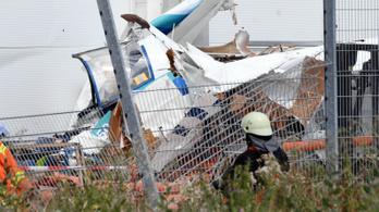 Barkácsáruházra zuhant egy kisrepülőgép Németországban