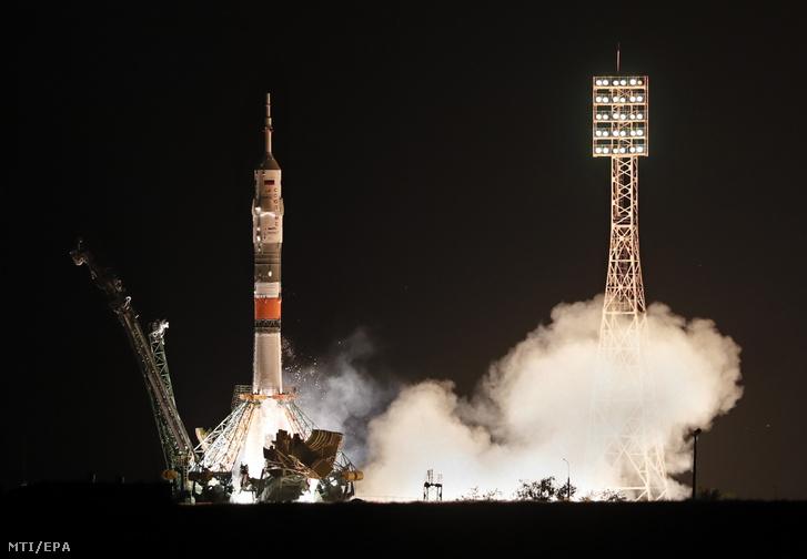 Felbocsátják a Szojuz MSz-13 űrhajót a kazahsztáni Bajkonur orosz űrközpontjában 2019. július 20-án.