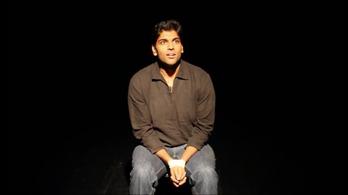 Egy komikus meghalt előadás közben, a közönség azt hitte, ez is a műsor része