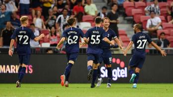 Kane a félpályáról rondított bele az új Juventus-edző debütálásába