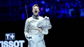 Drámai küzdelemben ezüstérmes a férfi kardcsapat
