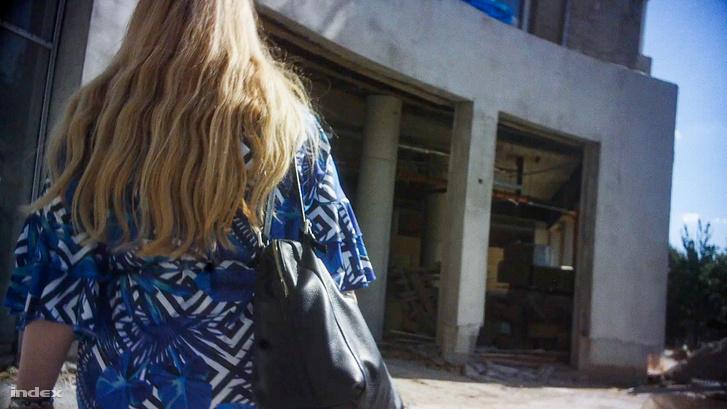 Érdeklődő vásárlóként egy rejtett kamerával bejutottunk a területre