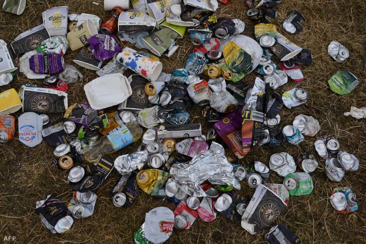 Szemét a földön a Glastongury Fesztiválon