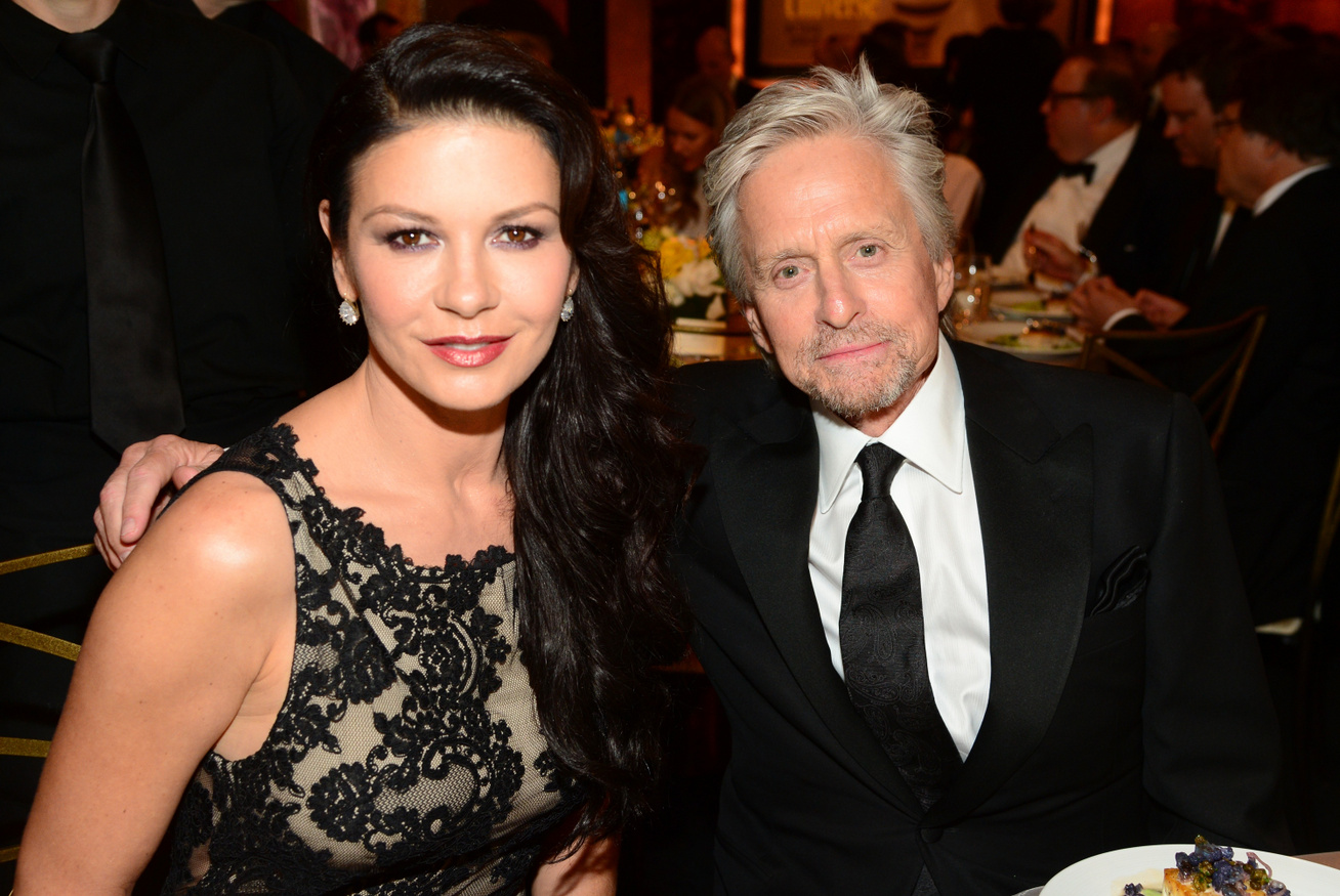 catherine-zeta-jones-michael-douglas-otthona-cover
