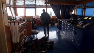 Rabként tartják fogva az irániak a brit tanker személyzetét
