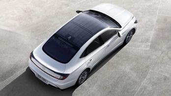 Napelemes tetővel érkezik az új hibrid Sonata