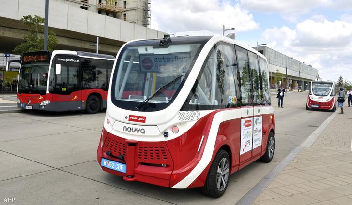 A bécsi önvezető autóbusz bemutatója Seestadt Asperinben 2018. július 20-án