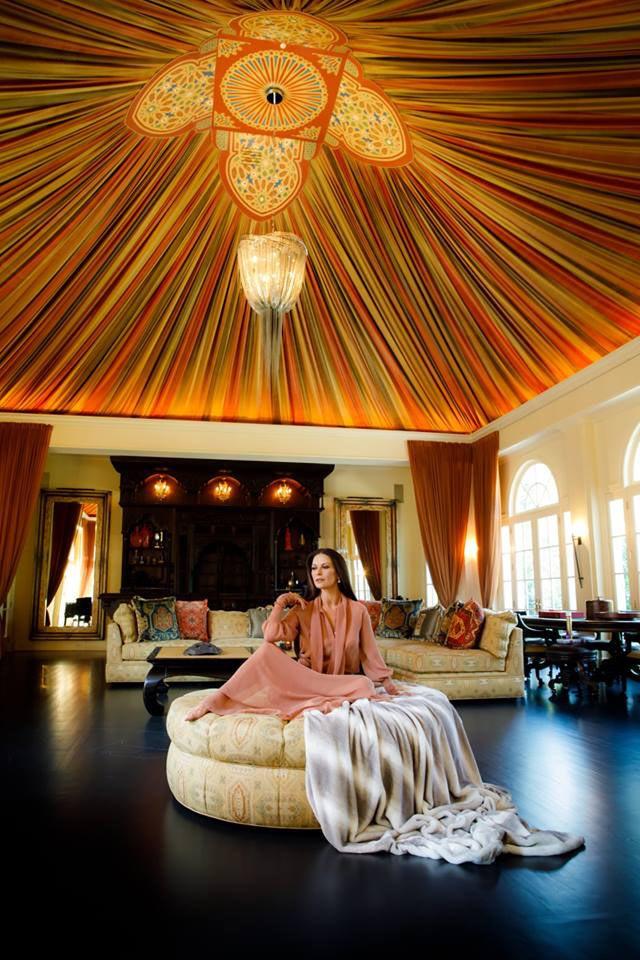Mintha egy marokkói palotát látnánk! Igazán egzotikusak a színek.