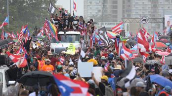 Több százezren követelik a szexista kormányzó azonnali lemondását Puerto Rico utcáin