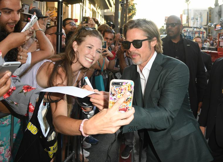 Brad Pitt a lezser eleganciát választotta