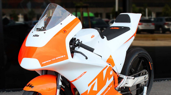 92 kiló és 40 lóerő: KTM RC4R