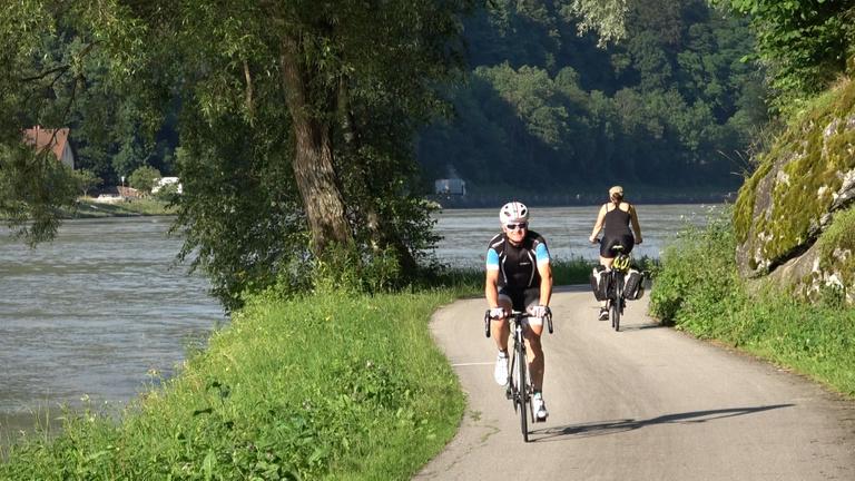 Duna, béke, tüköraszfalt: 400 km bringás mennyország
