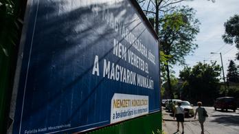 Törvénysértő, hogy Rogánék nem hozzák nyilvánosságra a nemzeti konzultációk kampányköltségeit