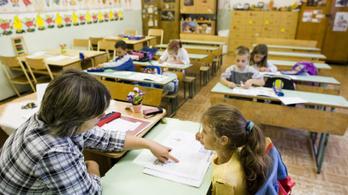 A pedagógushallgatók fele még azelőtt elhagyja a pályát, mielőtt tanár lehetne