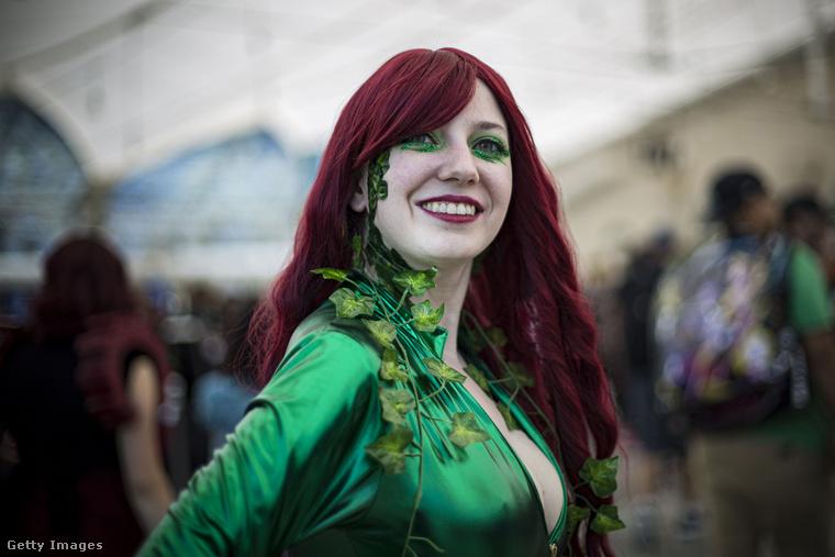 Poison Ivy vidám mosolyt villantott
