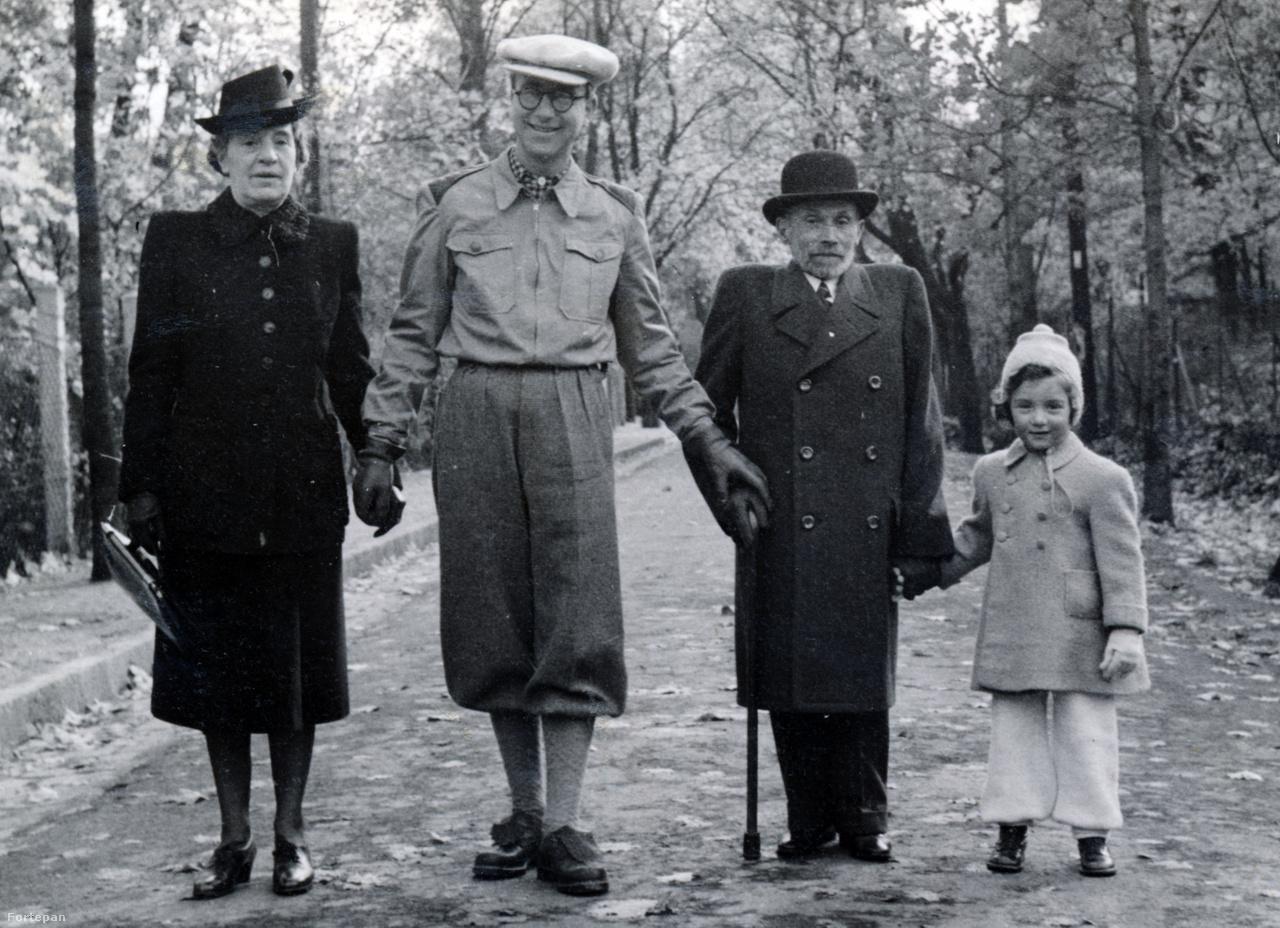Wessel Margit, Preisich Gábor, Preisich Kornél és Preisich Anikó sétál a Zugligetben, a Tündérhegyi Szanatórium közelébenPreisich Kornélban gyermekkori, félrekezelt tuberkolózisa két életre szóló nyomot hagyott: egy gerincpúpot és a döntést, hogy gyermekorvos lesz. A Tanácsköztársaság idején főorvos, később Weiss Manfréd és Horthy Miklós családorvosa, az első csepeli gyermekotthon, a zugligeti tüdőbeteg-rehabilitációs Tündérhegyi Gyerekszanatórium alapítója és orvosa. 1955-ben halt meg.