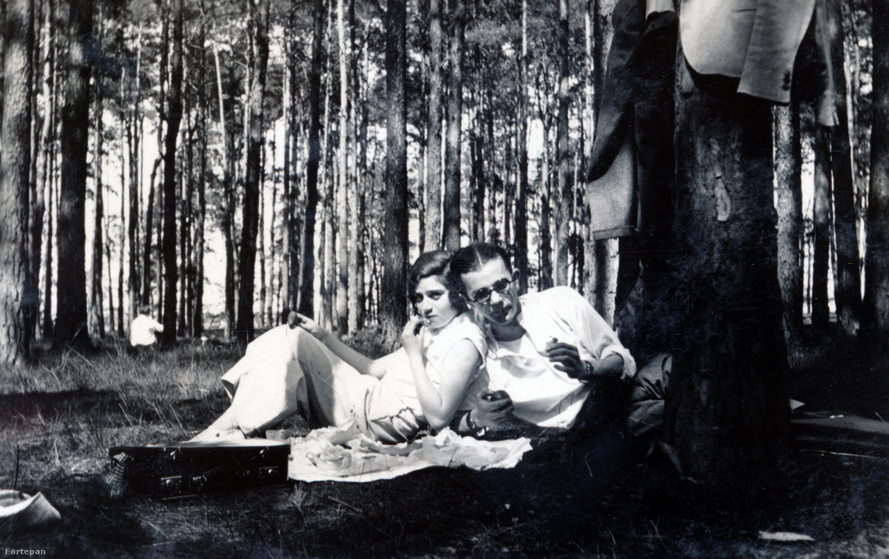 Preisich baráti társaságának tagjai valahol egy erdőben