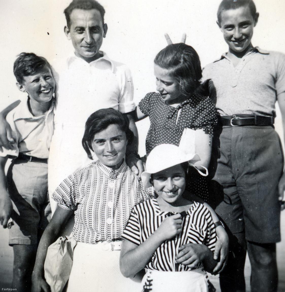 Lichter Rut általa felügyelt gyerekekkelA harmincas évek elején zsidó hontalanként egyre nehezebb lett az élet Németországban: míg családja a Palesztinába való kivándorlást választotta, Rut maradék pénzéből vett egy vonatjegyet Budapestre, hogy német nyelviskolát nyisson egy Berlinből ismert magyar barátnőjével, Török Ruthtal. Rövid ideig egy németnyelvű óvodában dolgozott, itt ismerkedett meg a gyerekeknek művészi tornát és mozgásművészetet tanító Preisich Irénnel,aki gyógytornászként dolgozott egészen 102 éves koráig.
