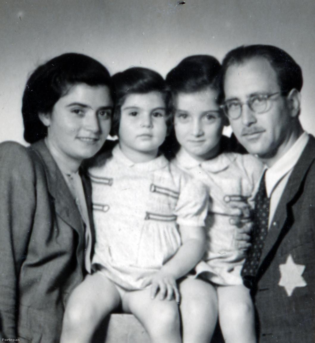 """Családi kép sárga csillaggal 1944-ből""""Mami [Rut] megmagyarázta, hogy csillagot fogunk hordani mindnyájan, mert különböző emberek vannak és mi meg a barátaink, hogy megismerjük egymást és össze ne tévesszenek bennünket másokkal csillagot fogunk hordani""""– így próbálták a gyerekeknek megmagyarázni a magyarázhatatlant. Preisichék kikeresztelkedettként eleinte nem számítottak zsidónak, 1939-ben megszerezték az ausztrál Landing Permit-et, de végül Magyarországon maradtak. Svéd menlevél, kormányzói mentesség, leginkább a szerencse mentette meg őket."""