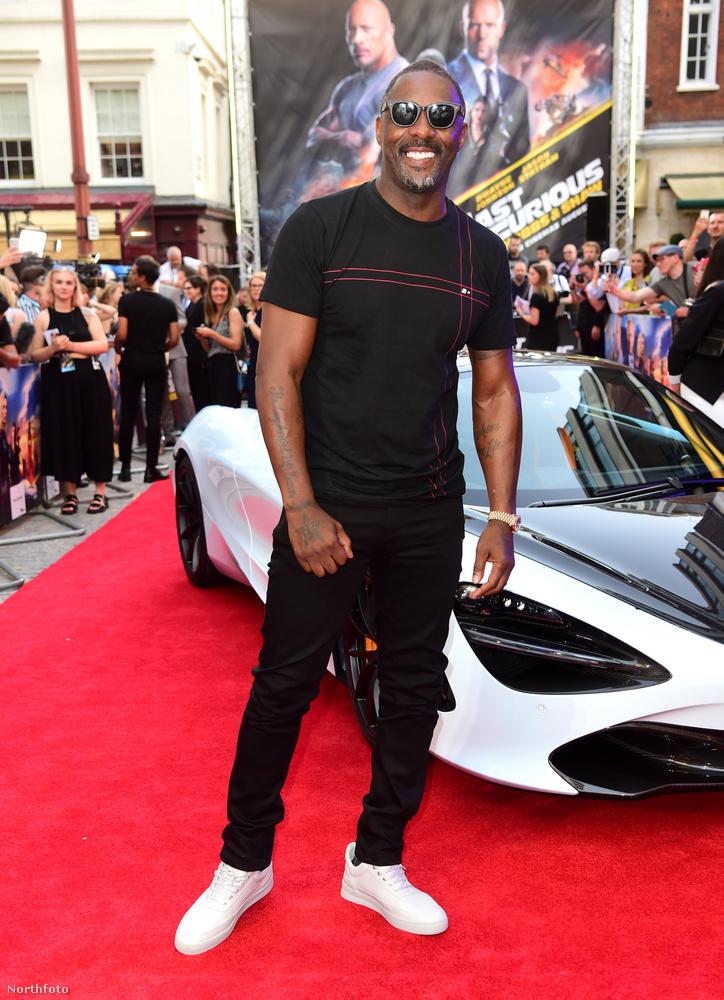 Ezután tűnt fel a színen Idris Elba, aki legalább már okozott csalódást a rajongóinak és nagy élvezettel pózolt a vörös szőnyegen parkoló sportautó előtt