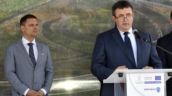 Palkovics: 5000 milliárd forint közútra és vasútra