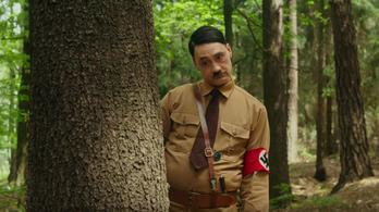Adolf Hitlerrel és Scarlett Johanssonnal rabolja el a szíveket Taika Waititi