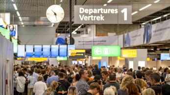 250 járatot töröltek az amszterdami reptéren
